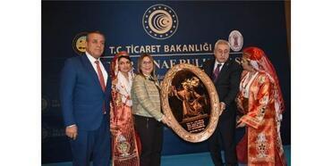 Bakan Pekcan Kirşehir'de Esnafla Buluştu