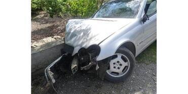 Otomobil Duvara Çarptı: 1 Ölü