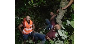 Sınırı Kaçak Geçerken Mahsur Kaldı, Jandarmadan Yardım İstedi