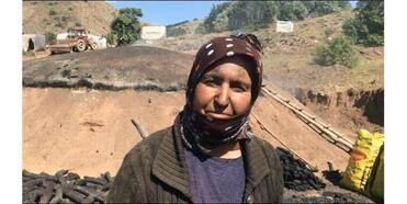Bayburt'ta İşçilerin Zorlu Mangal Kömürü Mesaisi