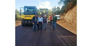 Hisarcık'ta 3 Köy Yoluna Beton Asfalt Döküldü
