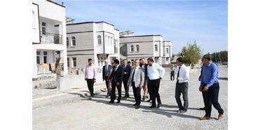 Vali Aykut Pekmez, Samsat'ta Afet Konutlarını İnceledi