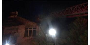 Yangın İhbarına Gitti, Kendi Evini Söndürdü