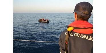 Lastik Bot İçinde 35'İ Çocuk, 74 Kaçak Göçmen Yakalandı