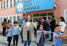 İlkokul öğrencileri, derse drama eğitimiyle başlıyor