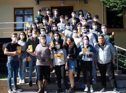 Üniversitelilerden lösemililere maskeli destek