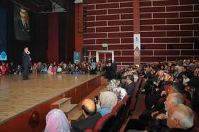 Akşehir'de ilahiyatçı Mustafa Karataş'a yoğun ilgi