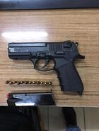 Keşan'da polis 2 ruhsatsız tabanca ele geçirdi