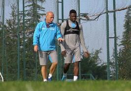 Trabzonspor'da Caleb Ekuban antrenmanlara başladı