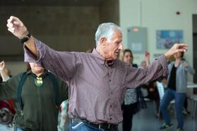 'İkinci Bahar' sakinlerine dans eğitimi