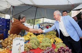 Başkan Gültak, pazarcı esnafını ve vatandaşları dinledi