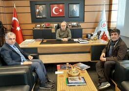Pantomim sanatçısı Aksoy, Başkan Oral'ı ziyaret etti