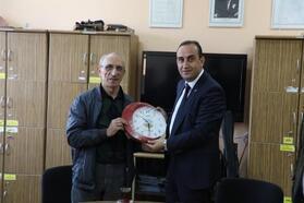 Başkan İlmek'ten öğretmenlere saat hediyesi