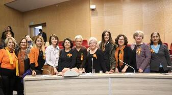 Gaziemirli kadınlara meme kanseri eğitimi