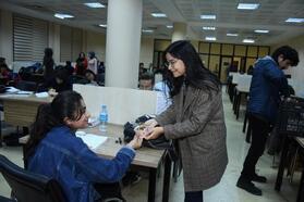Ders çalışan öğrencilere 'Anne eli değmiş gibi' ikram