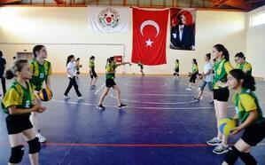 Altınova Belediyespor, sporda marka olmayı amaçlıyor