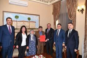 Vali Karaloğlu ve hayırsever çift okul protokolü imzaladı
