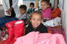 İstanbul'dan Şırnaklı öğrencilere giyim yardımı