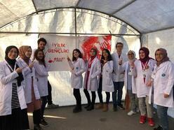 Tıp fakültesi öğrencilerinden sağlık sokağı etkinliği