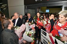 Beşiktaş Belediyesi'nden 'Filenin Sultanları'na coşkulu karşılama