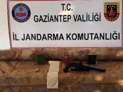 Gaziantep'te uyuşturucu ve tarihi eser kaçakçılığına: 3 gözaltı