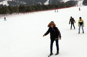 Palandöken'de kornişli kayak