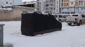 Doğu'da kapalı köy yollarının açılması için çalışmalar sürüyor
