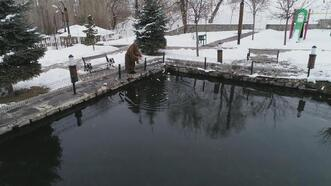 Erzurum'da sıfırın altında 30 derecede donmayan göl