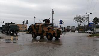 Suriye sınırına askeri sevkiyatlar devam ediyor