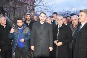 Bakan Albayrak'tan, Malatya'daki depremzedelere ziyaret