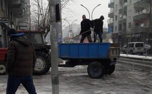 Bağlar Belediyesi'nden buzlanmaya karşı önlem