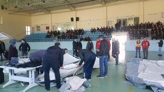 Kırkağaç'ta kamu personeline afet çadırı kurma eğitimi verildi
