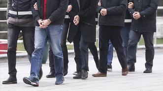 İzmir merkezli dev FETÖ operasyonu! 62 tutuklama...