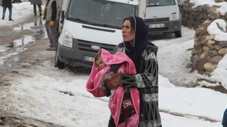 Türkiye-İran sınırında deprem! Van'da 9 kişi hayatını kaybetti