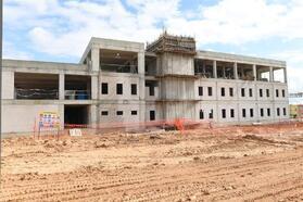 Vali Demirtaş, Geri Gönderme Merkezi'nin inşaatını inceledi