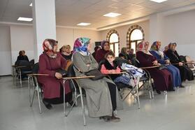 Bilgi Evi'nde öğrenci ve velilere iletişim semineri