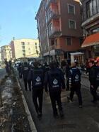 İpekyolu zabıta ekipleri, seyyar satıcı ve kaldırım işgalleri için uyardı