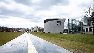 Amsterdam'da tüm tedbirler 28 Nisan'a uzatıldı
