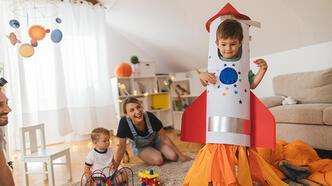 Kartondan uzay roketi nasıl yapılır? Roket olalım!