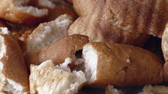 Bayat ekmeği taze ekmeğe nasıl dönüştürebilirsiniz?