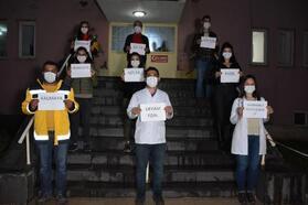 Beytüşşebap'ta polis ve sağlıkçılardan istiklal marşı