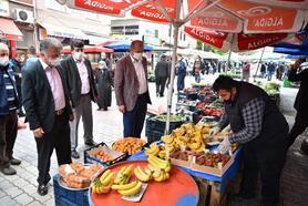 Karantinaya alınan mahallenin pazar alışverişi Bursa Büyükşehir Belediyesi'nden