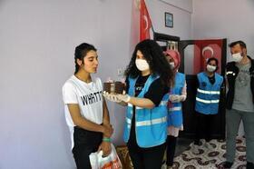 'Vefa' ekibinden 19 Mayıs doğumlu gençlere sürprizkutlama