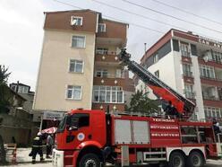 Apartman dairesinde çıkan yangın büyümeden söndürüldü