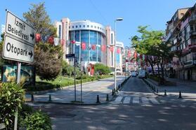 İzmit'te sokağa çıkma kısıtlamasında cadde ve sokaklar boş kaldı