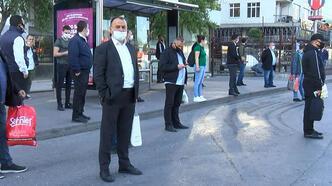 Mecidiyeköy'de duraklarda otobüs beklediler