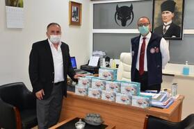 Gemlik Belediyesi, esnafa cerrahi maske desteğine devam ediyor