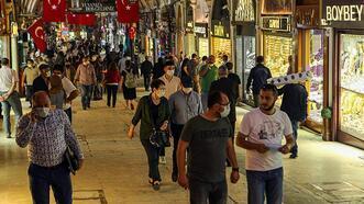 Tarihi Kapalıçarşı esnafı müşterilerini ve turistleri bekliyor