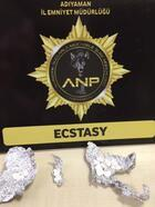 Adıyaman'da 15 uyuşturucu hapa 2 gözaltı