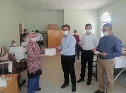 Midyat'ta maske üretimi yapan öğretmenlere teşekkür belgesi